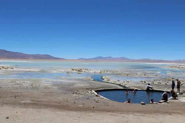 Polques Bolivia aguas termales